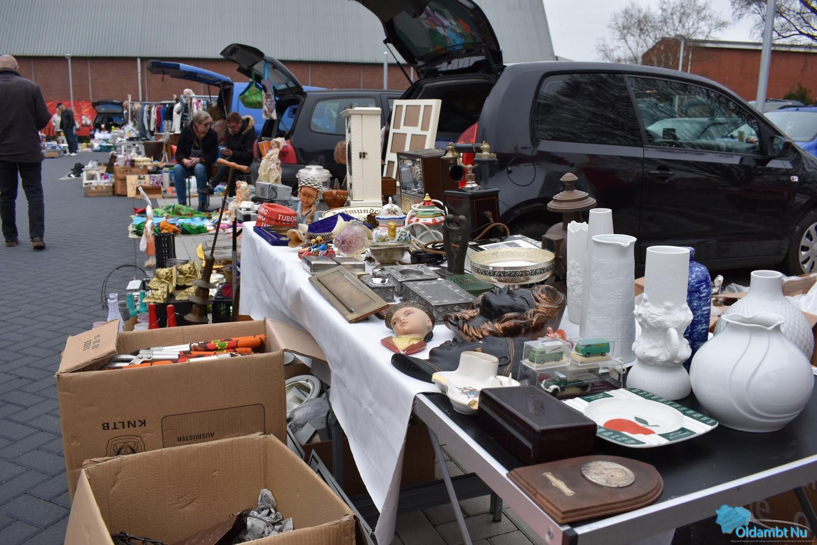 Photo of Zondag kofferbakmarkt op Marktplein in Winschoten
