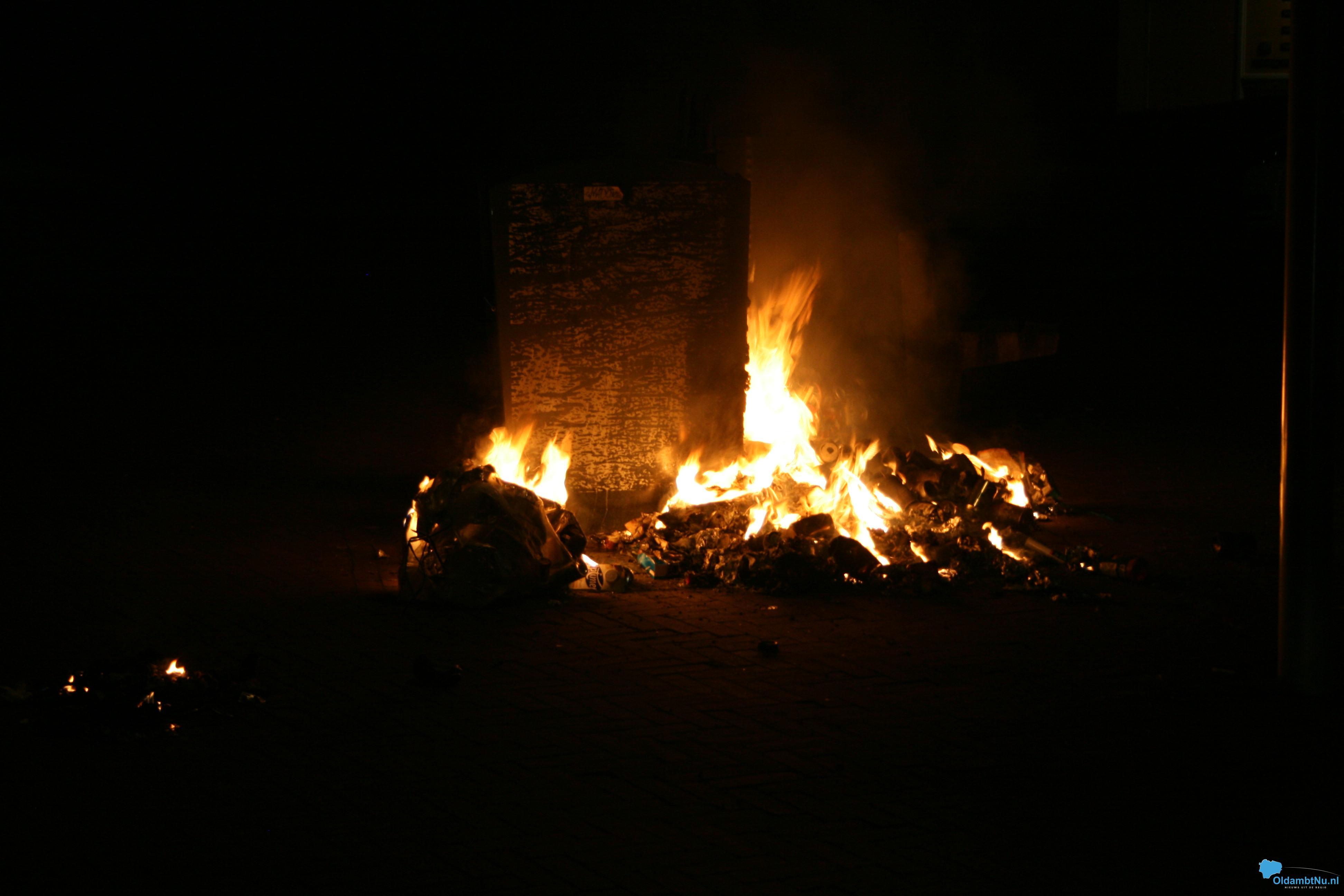 Photo of Brandweer blust afvalbrand op Marktplein
