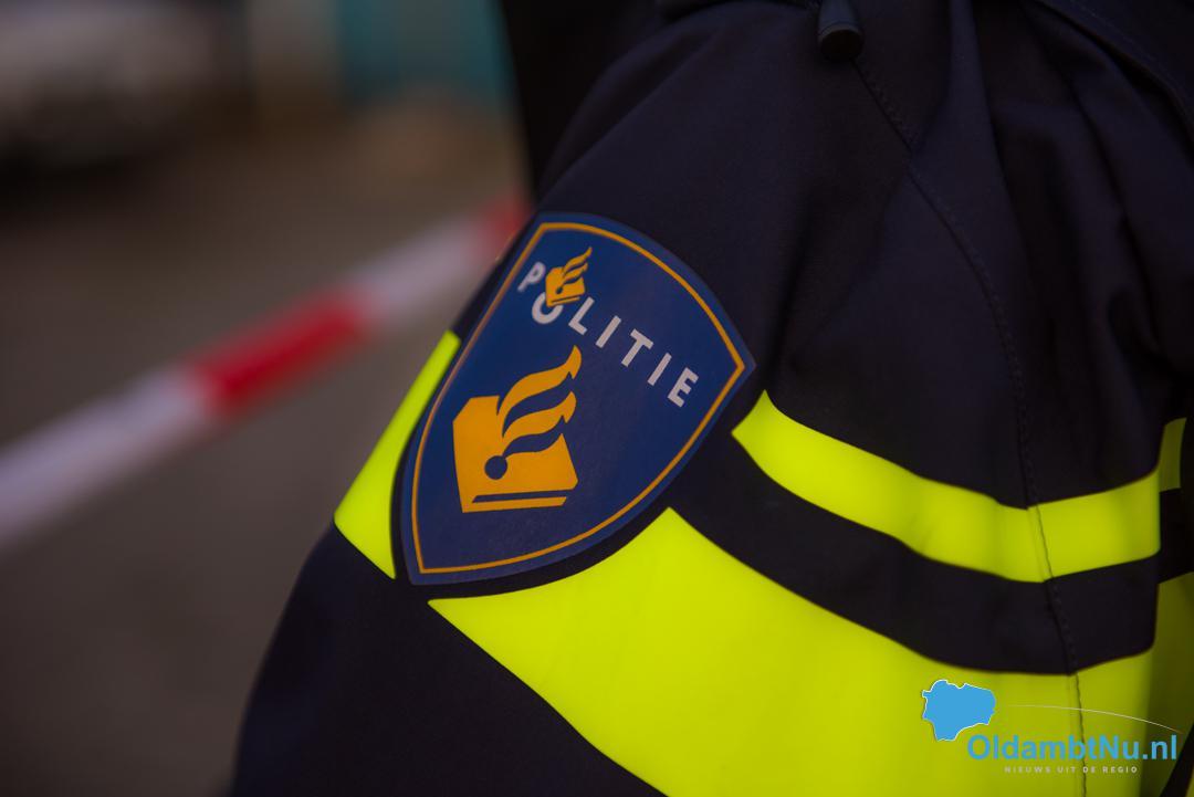 Photo of Politie haastig op zoek naar man na aanrijding in Winschoten
