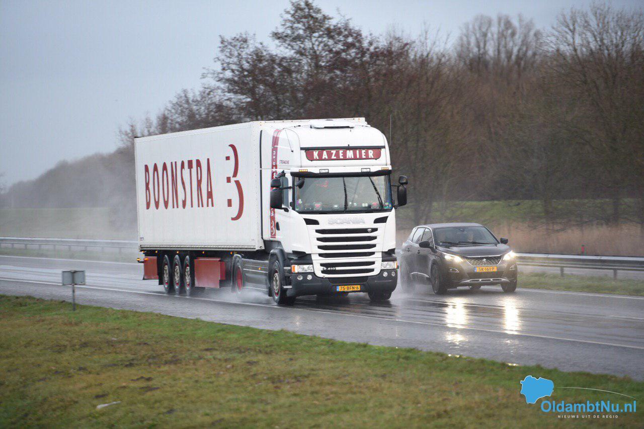 Photo of Vrachtwagens mogen straks niet meer inhalen op een stuk van A7