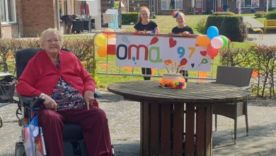 Photo of 97-jarige mevrouw Geertsema-Bos viert toch haar verjaardag