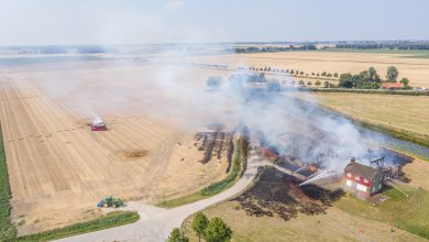Photo of UPDATE: Grote brand in schuur onder controle (video)