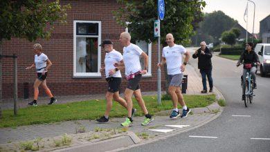 Photo of Groep hardlopers loopt ondanks afgelasting RUN toch nog 100 kilometer