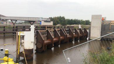 Photo of Livestream inhijsen brugdeel boven Winschoterdiep