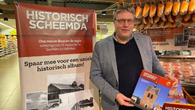 Photo of Historisch verzamelalbum Jumbo Scheemda uitgereikt (video)