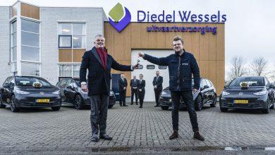 Photo of De uitvaartverzorgers van Diedel-Wessels gaan vanaf nu 'groen' de weg op